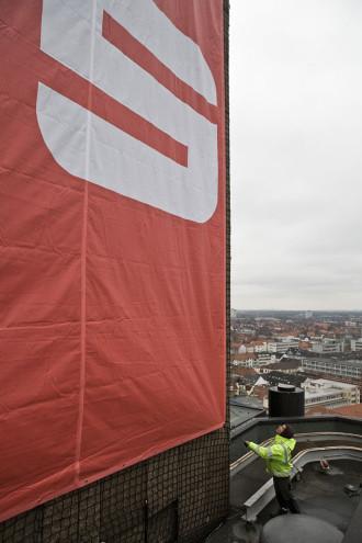 Industriekletterer (Fa. Odendahl + Feldbusch) für Sparkasse Hannover